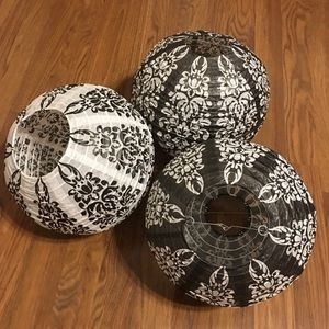 Paper Lanterns with Cords (3)